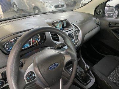 Veículo KA 2015 1.5 SE 16V FLEX 4P MANUAL