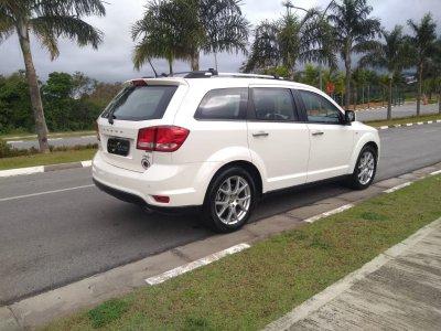 Veículo JOURNEY 2015 3.6 RT V6 GASOLINA 4P AUTOMÁTICO