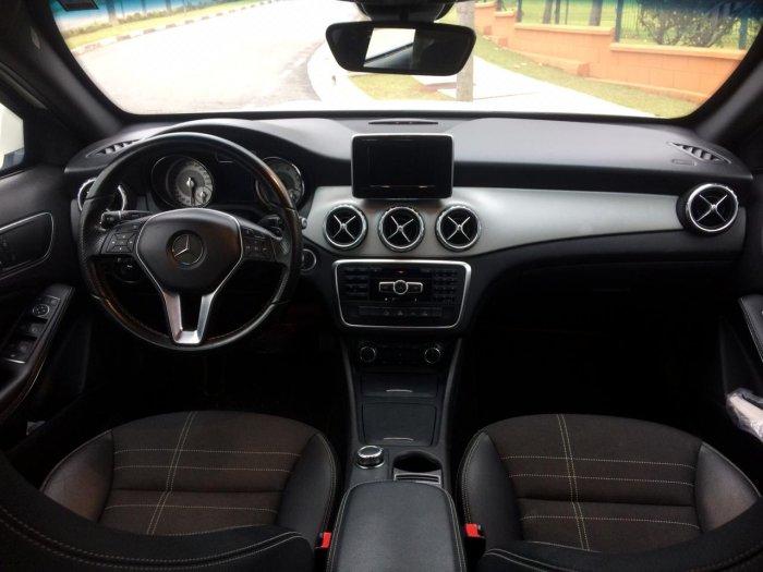 Veículo GLA 200 2015 1.6 CGI ADVANCE 16V TURBO GASOLINA 4P AUTOMÁTICO