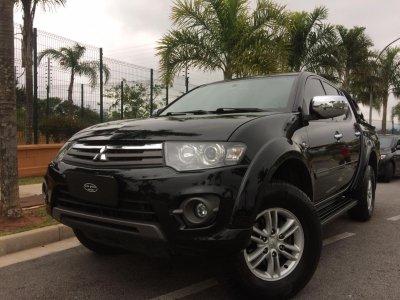 Veículo L200 TRITON 2015 3.5 HPE 4X4 CD V6 24V FLEX 4P AUTOMÁTICO
