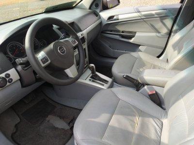 Veículo VECTRA SEDAN 2009 2.0 MPFI ELEGANCE 8V FLEX 4P AUTOMÁTICO