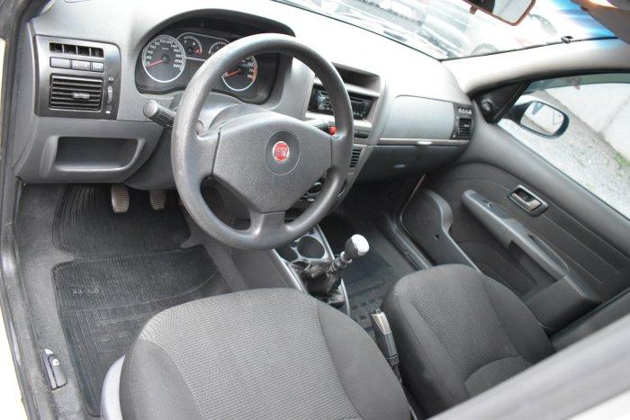 Veículo PALIO 2011 1.6 MPI ESSENCE 16V FLEX 4P MANUAL