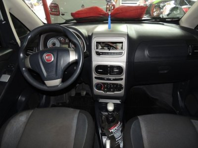 Veículo IDEA 2014 1.4 MPI ATTRACTIVE 8V FLEX 4P MANUAL