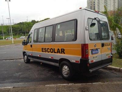 Veículo DUCATO 2014 2.3 MINIBUS TETO ALTO 8V TURBO DIESEL 3P MANUAL