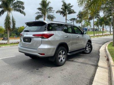 Veículo HILUX SW4 2018 2.7 SRV 7 LUGARES 4X2 16V FLEX 4P AUTOMÁTICO