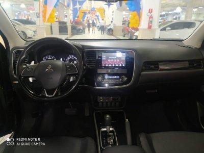 Veículo OUTLANDER 2018 2.0 COMFORT 16V GASOLINA 4P AUTOMÁTICO
