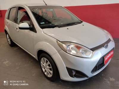 Veículo FIESTA HATCH 2014 1.0 ROCAM SE PLUS 8V FLEX 4P MANUAL