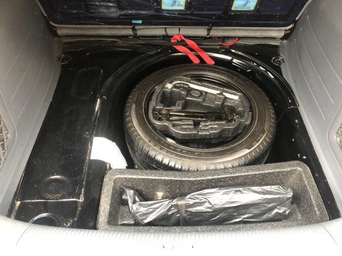 Veículo SPACEFOX 2010 1.6 MI 8V FLEX 4P MANUAL