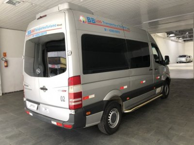 Veículo SPRINTER 2016 2.2 415 CDI VAN 16 LUGARES TETO ALTO 16V BI-TURBO DIESEL MANUAL