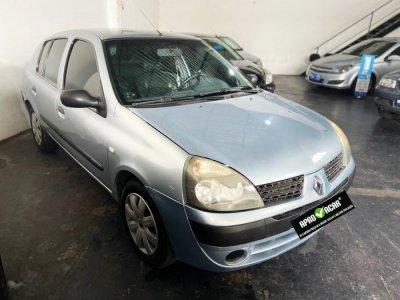 Veículo CLIO SEDAN 2006 1.0 AUTHENTIQUE SEDAN 16V GASOLINA 4P MANUAL