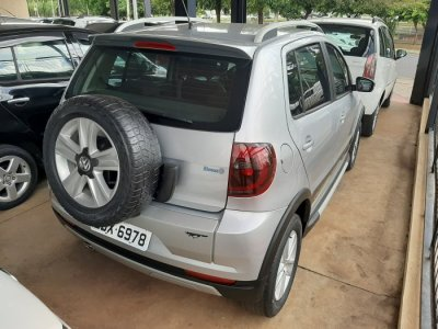 Veículo CROSSFOX 2011 1.6 MI FLEX 8V 4P MANUAL
