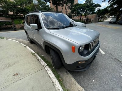 Veículo RENEGADE 2018 1.8 16V FLEX LONGITUDE 4P AUTOMÁTICO