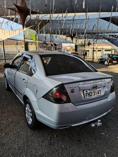 Veículo FIESTA SEDAN 2013 1.6 MPI SEDAN 8V FLEX 4P MANUAL