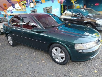Veículo VECTRA SEDAN 1997 2.0 MPFI GLS 8V GASOLINA 4P MANUAL