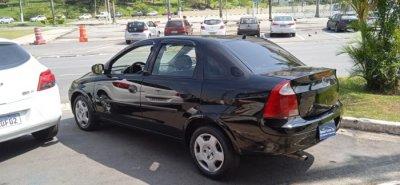 Veículo CORSA SEDAN 2003 1.0 MPFI SEDAN 8V GASOLINA 4P MANUAL