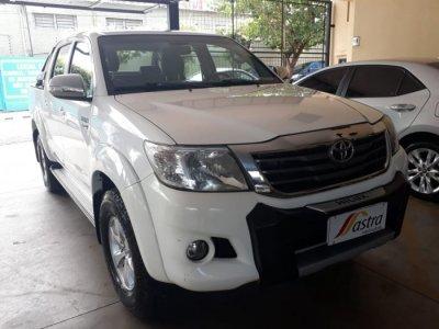Veículo HILUX 2015 2.7 SRV 4X2 CD 16V FLEX 4P AUTOMÁTICO