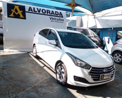 Veículo HB20S 2017 1.0 COMFORT STYLE 12V TURBO FLEX 4P MANUAL