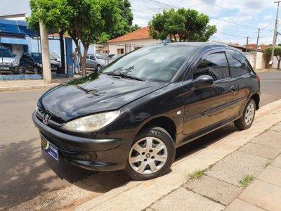 Veículo 206 2004 1.0 SENSATION 16V GASOLINA 2P MANUAL