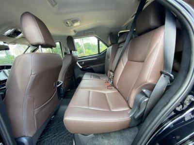 Veículo HILUX SW4 2018 2.8 SRX 4X4 7 LUGARES 16V TURBO INTERCOOLER DIESEL 4P AUTOMÁTICO