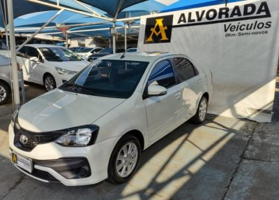Veículo ETIOS SEDAN 2019 1.5 X PLUS SEDAN 16V FLEX 4P AUTOMÁTICO