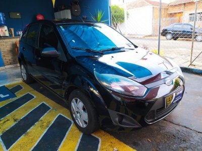 Veículo FIESTA HATCH 2011 1.0 ROCAM HATCH 8V FLEX 4P MANUAL