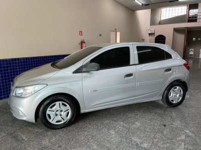 Veículo ONIX 2018 1.0 MPI JOY 8V FLEX 4P MANUAL
