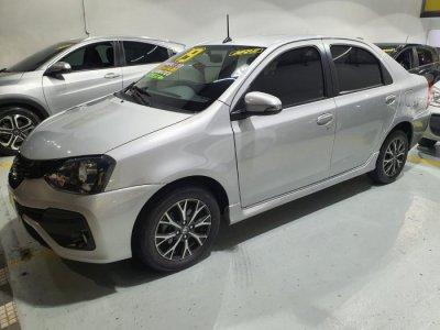 Veículo ETIOS SEDAN 2019 1.5 PLATINUM SEDAN 16V FLEX 4P AUTOMÁTICO