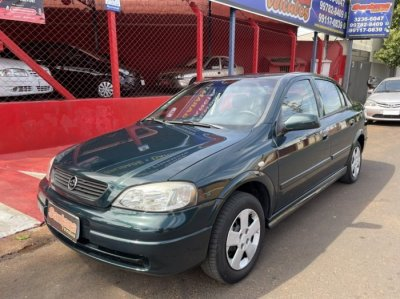 Veículo ASTRA SEDAN 2001 1.8 MPFI GL SEDAN 8V GASOLINA 4P MANUAL