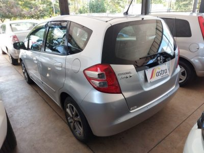Veículo FIT 2011 1.4 LXL 16V FLEX 4P MANUAL
