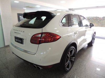 Veículo CAYENNE 2011 4.8 4X4 V8 32V TURBO GASOLINA 4P TIPTRONIC