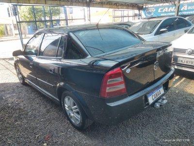 Veículo ASTRA SEDAN 2005 2.0 MPFI ELEGANCE SEDAN 8V FLEX 4P AUTOMÁTICO