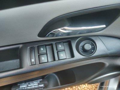 Veículo CRUZE SEDAN 2013 1.8 LTZ 16V FLEX 4P AUTOMÁTICO