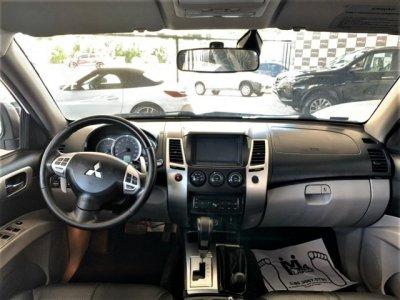 Veículo PAJERO DAKAR 2017 3.2 HPE 4X4 7 LUGARES 16V TURBO INTERCOOLER DIESEL 4P AUTOMÁTICO