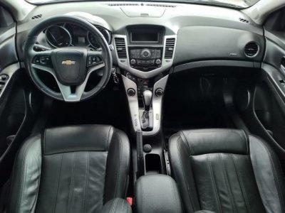 Veículo CRUZE HATCH 2015 1.8 LT SPORT6 16V FLEX 4P AUTOMÁTICO