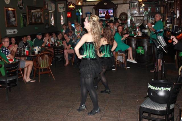 Lucky Leprechaun Irish Pub & Grub
