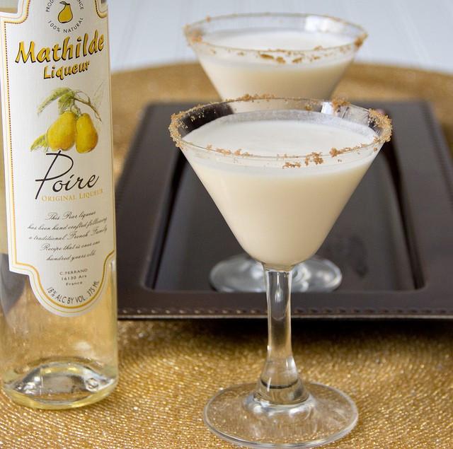 Pear Almond Crisp Martini