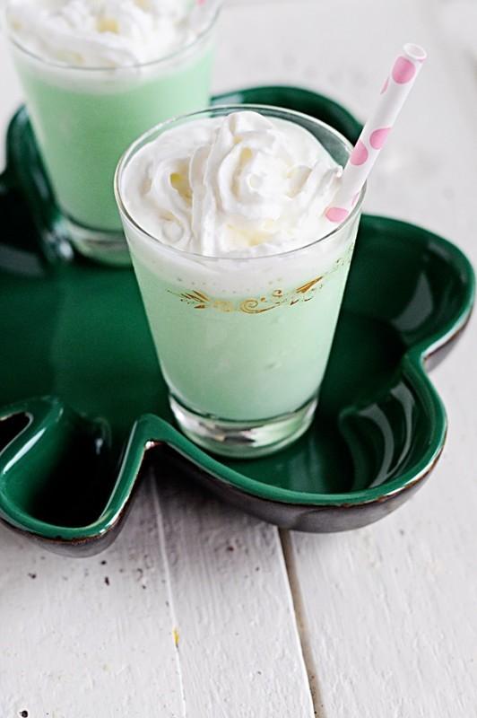 Mint Chocolate Baileys Milkshake