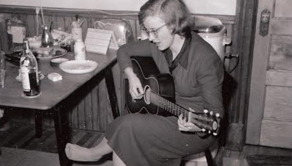 Connie Converse (roving woman)