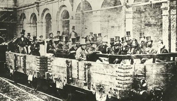 London: first wooden carriages for the underground subway (before the tubes)