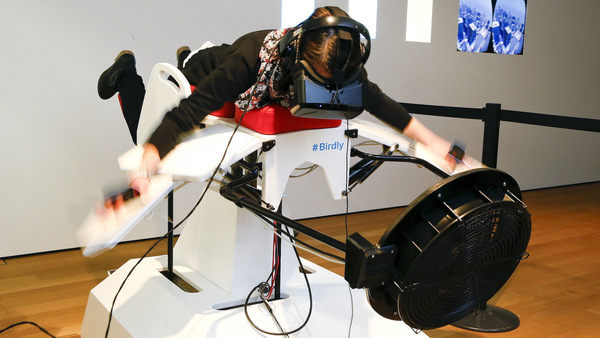 Photos of people doing super cool VR stuff! 😎