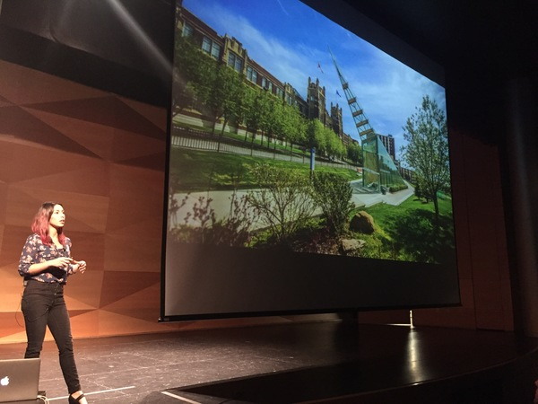 Diana Caballero presenting at UX Talks 002