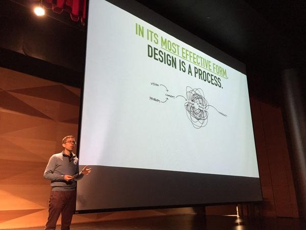 Karri Ojanen presenting at UX Talks 002