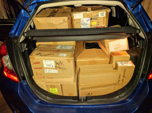 This time my Honda Fit brought 458 Kindles home, the largest donation in the Kindle Classroom Project's 5-year history. Thank you very much, Worldreader, for your generous gift!