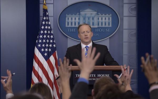 Woordvoerder Sean Spicer kreeg een spervuur van vragen.