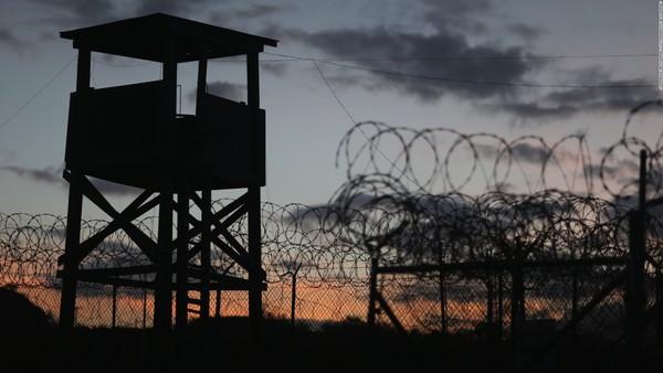 Het gevangenkamp op Guantánamo Bay waar de VS terreurverdachten vasthoudt.