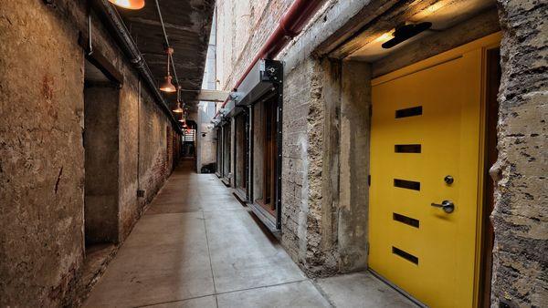 Birds & Bees Is Downtown's Jazzy New Subterranean Speakeasy | Eater LA