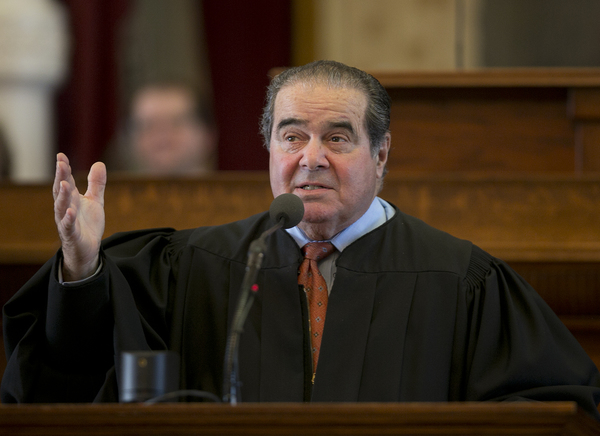 Rechter Antonin Scalia overleed in februari vorig jaar.