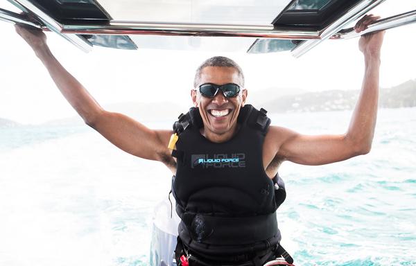 Obama is op vakantie op het privé-eiland van Richard Branson (foto: Jack Brockway)