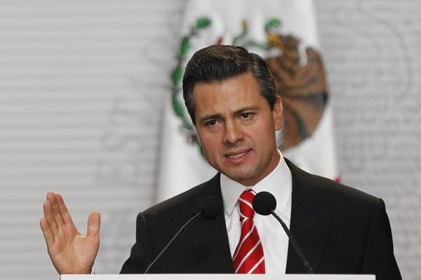 De Mexicaanse president Peña Nieto schrapte een gepland bezoek aan het Witte Huis (foto: RTR)