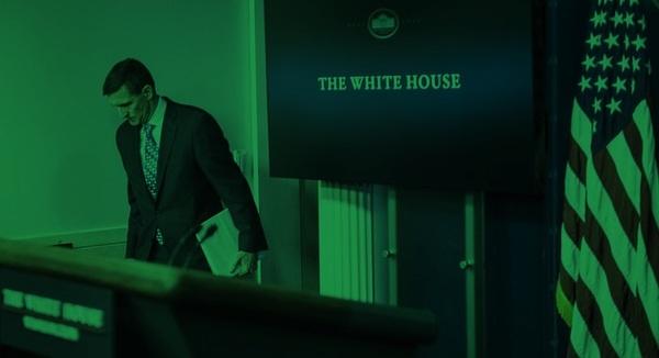 Pers pakt lek op, Flynn treedt af.